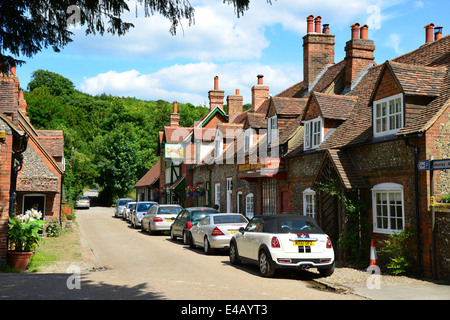 Flint cottages and Stag & Huntsman pub, Hambleden, Buckinghamshire, England, United Kingdom - Stock Photo