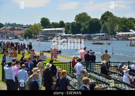 View into the Stewards Enclosure of the crowds attending the rowing regatta at the Henley Royal Regatta, Henley - Stock Photo