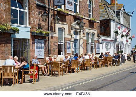 The George bar and grill, seafront pub, Customer House Quay, Weymouth, Dorset England UK - Stock Photo
