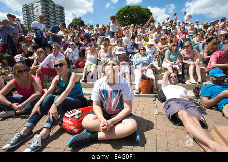 Fans on Murray Mound which replaced Henman Hill at Wimbledon Tennis Championships 2014, Southwest London, England, - Stock Photo
