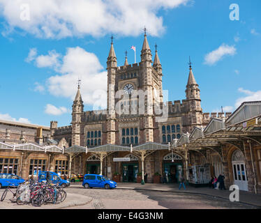 Bristol Temple Meads railway station in Britain - Stock Photo
