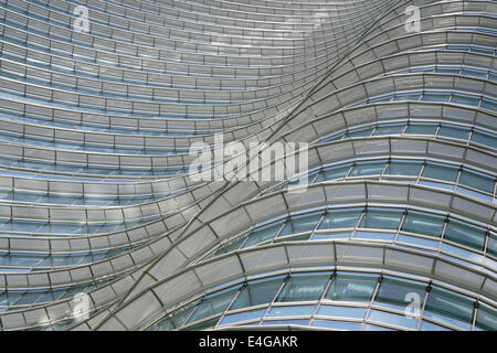 Detail of the 231m Torre Unicredit (Unicredit Tower), designed by Cesar Pelli, Porta Nuova, Milan, Italy. - Stock Photo