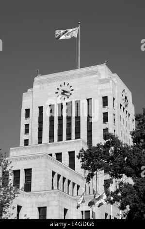 Black and white image of the Art Deco style Vancouver City Hall built in 1936, Vancouver, BC, Canada - Stock Photo