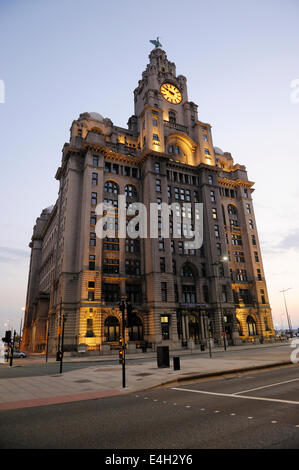 Royal Liver Building on Liverpools waterfront at Pier Head. - Stock Photo