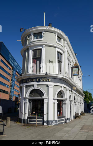 The Baltic Fleet public house on Wapping in Liverpool, one of the few remaining public houses on the dock roads. - Stock Photo