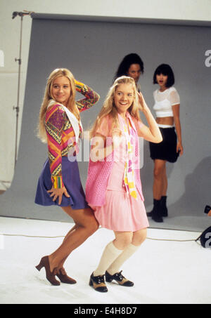 THE BRADY BUNCH MOVIE 1995 Paramount Pictures film with Chrisitine Taylor at left and Olivia Hack - Stock Photo