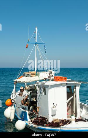 Griechenland, Rhodos, Kritinia, Kamiros Skala, Fischerboot - Stock Photo