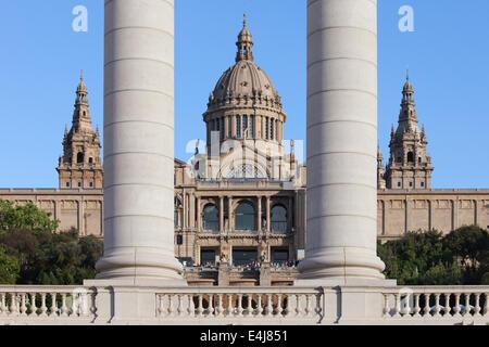 Museum of catalan art national palace montjuic for Artiste peintre catalan