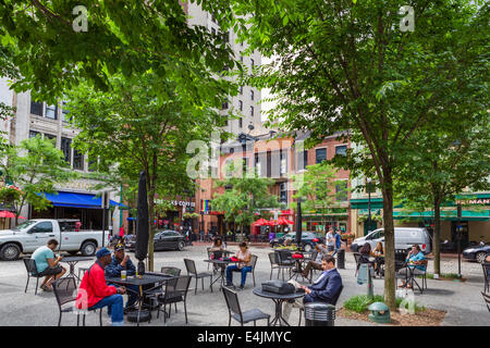 Market Square in downtown Pittsburgh, Pennsylvania, USA - Stock Photo