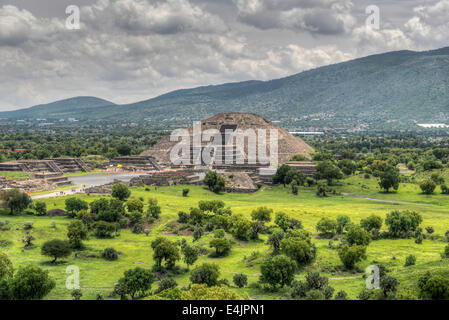 The ancient Pyramid of the Moon. The second largest pyramid in Teotihuacan, Mexico. - Stock Photo