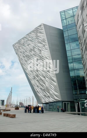 Guided tour at the Titanic Signature Building, Belfast - Stock Photo