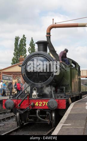 Steam locomotive 4270 taking on water, Gloucestershire Warwickshire Railway at Toddington Railway Station, Gloucestershire - Stock Photo