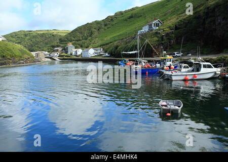 Boscastle harbour, North Cornwall, England, UK - Stock Photo