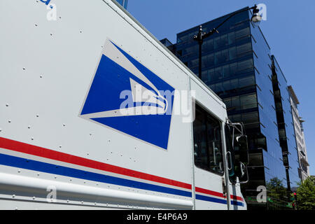 US Postal Service delivery truck logo - USA - Stock Photo