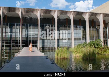 Palacio Itamaraty , Brazil's Foreign Ministry building by Oscar Niemeyer, Brasilia - Stock Photo