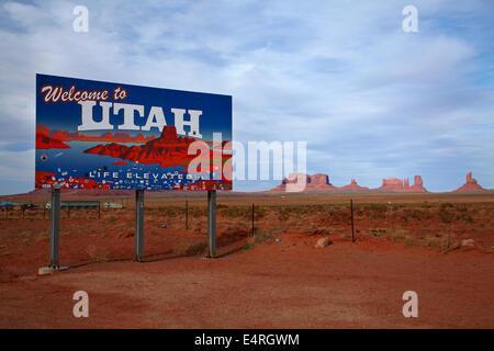 Welcome to Utah sign, Monument Valley, Navajo Nation, Utah/Arizona Border, USA - Stock Photo