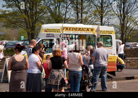 UK, Derbyshire, Peak District, Bakewell, people queueing at Ice Cream van in hot weather - Stock Photo
