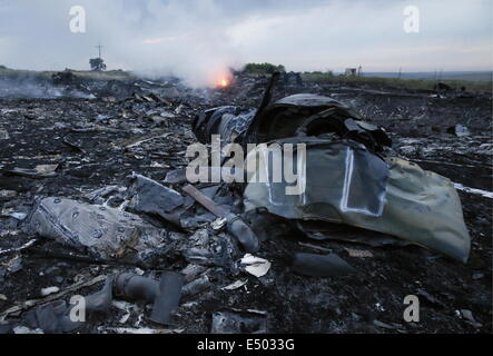 Donetsk Region, Ukraine. 17th July, 2014. The site of the crash of a Malaysia Airlines Boeying 777 flight from Amsterdam - Stock Photo