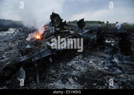 Donetsk Region, Ukraine. 17th July, 2014. At the site of the crash of a Malaysia Airlines Boeing 777 flight from - Stock Photo