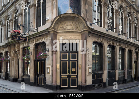 Cafe Royal Oyster bar and traditional pub on West Register Street, Edinburgh - Stock Photo