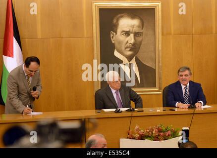 Istanbul, Istanbul, Turkey. 18th July, 2014. Turkish President Abdullah Gul meets with Palestinian President Mahmoud - Stock Photo