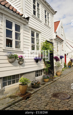 White painted houses in the Gamle area of Stavanger, Norway. - Stock Photo