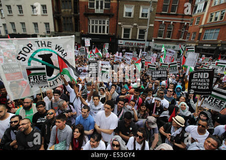 London, United Kingdom, 19th July, 2014. Palestinians and their supporters in their tens of thousands march from - Stock Photo