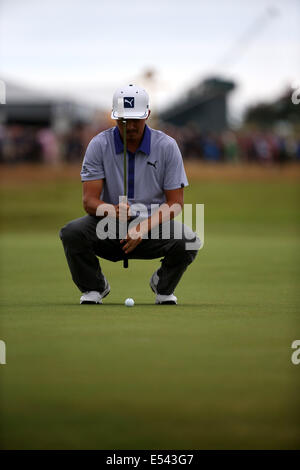 Hoylake, UK. 19th July, 2014. Rickie Fowler (USA) Golf : Rickie Fowler of United States lines up his putt on the - Stock Photo