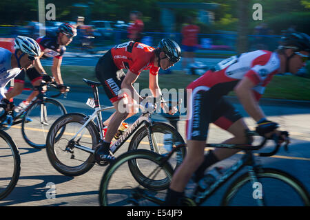 Mens cycle racing on the streets of Vancouver, Canada - Stock Photo