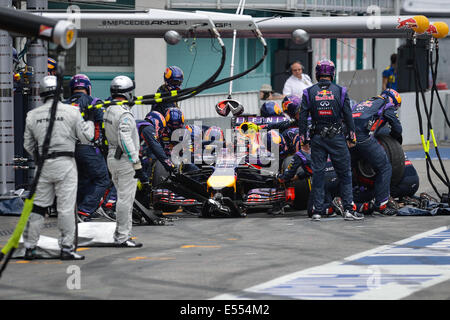 Hockenheim, Germany. 20th July, 2014. German Formula One driver Sebastian Vettel from team Red Bull does a pit stop - Stock Photo