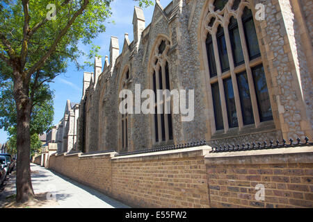 Highgate Road Chapel, Chetwynd Rd, London Borough of Camden, NW5 1BU - currently partially residential church - Stock Photo