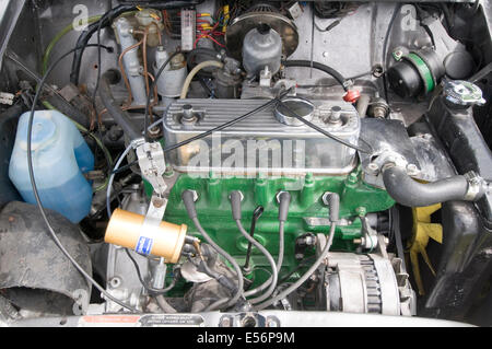 mini engine car cars internal combustion a series bmc leyland british classic motor maintenance simple ignition - Stock Photo
