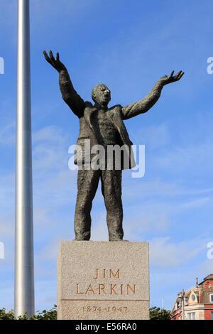 Statue of Irish politician Jim Larkin in O'Connell Street, Dublin, Republic of Ireland, Eire, Europe - Stock Photo