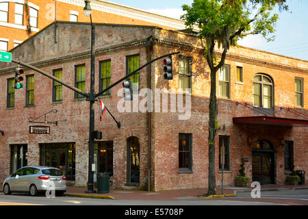 The Staybridge Suites thrive in a landmark building in the historic district of Savannah, GA, USA - Stock Photo