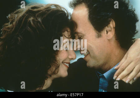 FORGET PARIS 1995 Castle Rock film with Billy Crystal and Debra Winger - Stock Photo