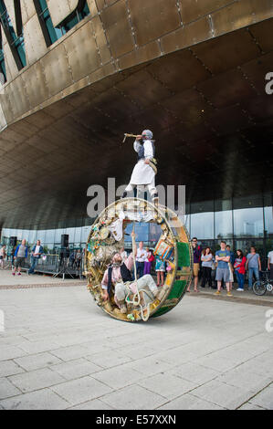 Circus performers Acrojou performing The Wheel House at Blysh Festival - Cardiff, July 2014 - Stock Photo