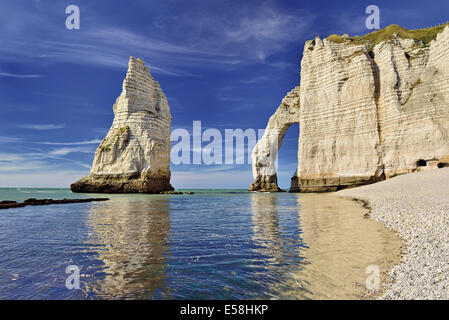 France, Normandy, Etretat, chalk coast, needle rock, Porte d_Aval, growing tide, coast, impressing, great, travel, - Stock Photo