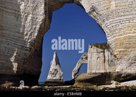 France, Normandy, Etretat, chalk coast, needle rock, Porte d_Aval, low tide, coast, impressing, great, travel, tourism, - Stock Photo