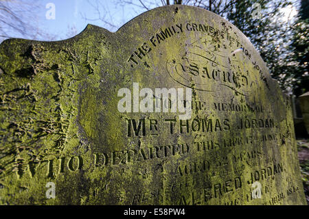 Tower Hamlets cemetery in East End of London - Stock Photo