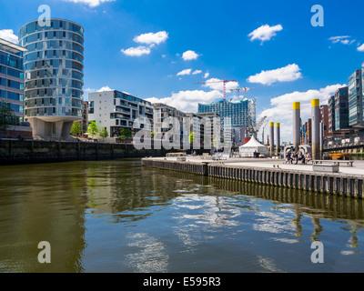 Germany, Hamburg, HafenCity, Magellan-Terrassen, Sandtorhafen, Modern residential and office buildings, Elbe Philharmonic - Stock Photo