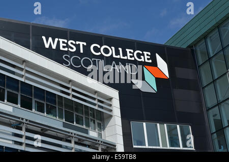 West College Scotland in Clydebank which used to be Clydebank College. It sits on the former site of John Brown's - Stock Photo