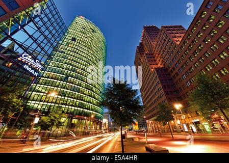 Germany, Berlin: Nocturnal view of the Potsdam Square (Potsdamer Platz) - Stock Photo