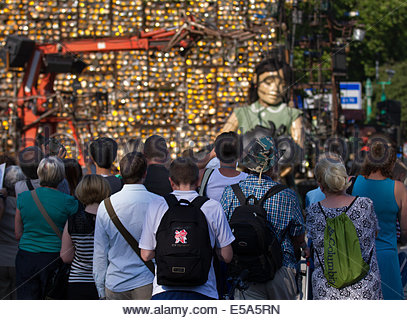 Liverpool, Merseyside, UK 25th July, 2014.  Little Girl Giant and dog Xolo. The giant marionettes will take in landmarks - Stock Photo