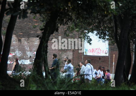 Rome, Italy 24th July 2014 Pro Palestine rally in the Esquilino district of Rome, Italy Credit:  Gari Wyn Williams/Alamy - Stock Photo