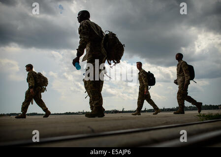 July 24, 2014 - Fort Bragg, NC, USA - July 24, 2014 - Fort Bragg, N.C., USA - Soldiers with Company C, 3rd General - Stock Photo