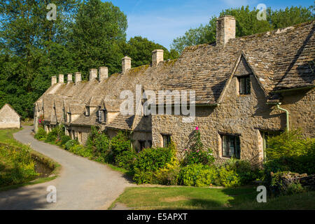 Arlington Row - homes originally built for the local weavers, Bibury, the Cotswolds, Gloucestershire, England - Stock Photo
