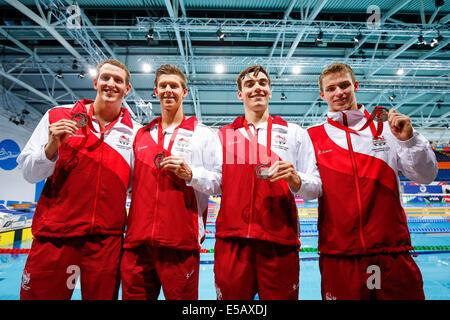 Glasgow, Scotland. 25th July, 2014. Glasgow 2014 Commonwealth Games Day 2. Aquatics, Swimming. The England Team - Stock Photo