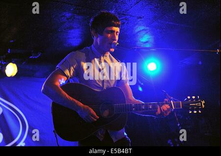 Glasgow, Scotland, UK. 25th July, 2014. Gerry Cinnamon headlines at King Tut's, Glasgow, Scotland. Credit:  Tony - Stock Photo