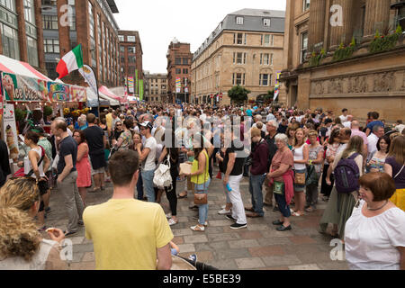 Glasgow , Scotland, UK. 26th July, 2014. Sat 26th July 2014, merchant City Festival Glasgow, Scotland, UK. Thousands - Stock Photo