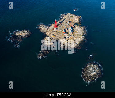 Aerial view of lighthouse and cottage on Pater Noster Island - Stock Photo